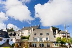 Bretagne-Stadt Perros-Guirec, Frankreich am Sommertag Stockbilder