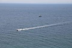 Brett blått hav Arkivbild