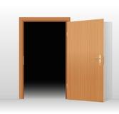 Brett mörkt rum för öppen dörr Arkivbilder