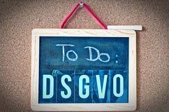 Brett, zum von allgemeine Daten-Schutz-Regelung DSGVO auf englisch zu tun, um allgemeine Daten-Schutz-Regelung GDPR mit einem Lap lizenzfreie stockfotografie