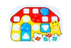 Brettspiel mit unterschiedlichem farbigem Spiel verpfändet auf ihm stockfotos