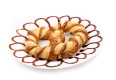 Bretzel fraîchement de fantaisie cuit au four. Image libre de droits