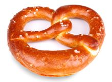 Bretzel frais cuit au four   Photo stock