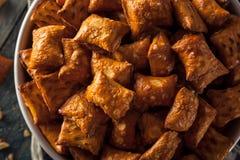 Bretzel salé organique de beurre d'arachide Photos libres de droits