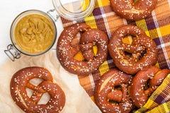 Bretzels faits maison délicieux Photographie stock