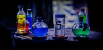 Breuvages magiques magiques colorés Photos stock