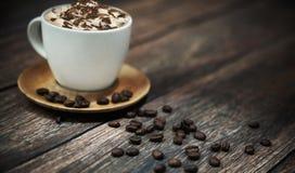 Breve descanso en cafetería Foto de archivo libre de regalías
