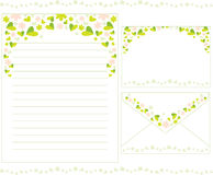 Brevpapper med blom- Arkivbilder
