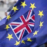 Brexit, bandera de unión y bandera europea Foto de archivo