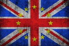 Brexit grunge Britse Engeland Groot-Brittannië vlag met Europese Unie de gele sterren van de EU Stock Foto's