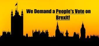 Brexit osob głosowania wiadomość z domami parlament, Londyński tło obrazy stock