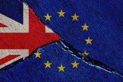 Brexit pojęcie, zlany królestwo i Europe zrzeszeniowe flagi, fotografia stock