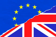 Brexit przyrodniego błękita europejskiego zjednoczenia UE flaga i przyrodnia uk England Britain wielka flaga na rozdzierającym dr Fotografia Royalty Free