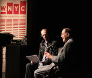 Brian Lehrer intervista Tom Kean Fotografie Stock Libere da Diritti