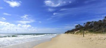Bribie ö - Woorim strand Royaltyfri Fotografi