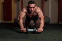 Briciolo di esercizio un rullo di ab Fotografia Stock