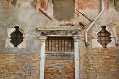 Bricked encima de la entrada Fotos de archivo