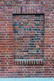 Bricked i fönstret som stängs för affär arkivfoto