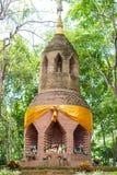 Bricked-Pagode im Wald Lizenzfreies Stockfoto