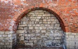 Bricked upp dörröppningsbåge royaltyfri bild