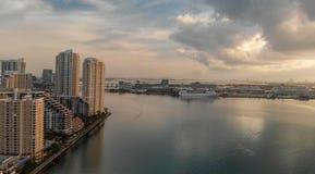 Brickell klucz przy wschodu słońca widok z lotu ptaka, Miami Obrazy Royalty Free