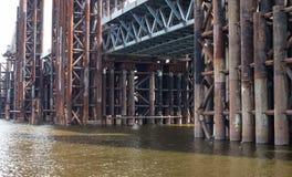 Bridżowa budowa Ośniedziali metali mola Obraz Stock