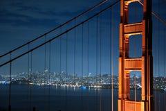 bridżowej bramy złoty nightshot Obrazy Royalty Free