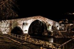 Bridżowy kamień w Cangas De Onis fotografia stock