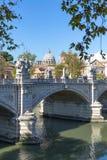Bridżowy Vittorio Emanuele II przed St Peter ` s bazyliką zdjęcia royalty free