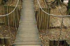 bridżowy wiszący drewniany Obrazy Royalty Free