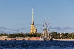 bridżowy Petersburg Russia st troitskiy widok Fotografia Royalty Free