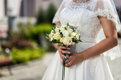 Bridal букет в руках невесты, bridal аксессуарах, weddin Стоковое Изображение RF