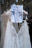 Bridal платья увиденное кулуарное перед модным парадом 2019 весны Berta Bridal Стоковая Фотография