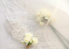 Bridal предпосылка темы сердец и цветков Стоковые Изображения