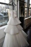 Bridal платье во время Виктора и Rolf Mariage представление собрания скачут/лета 2018 Стоковые Изображения