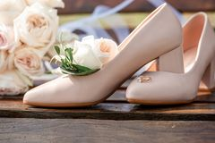 Free Bridal Bouquet Posy With Wedding Shoes And Rings. Wedding Theme Background Royalty Free Stock Photo - 164958455