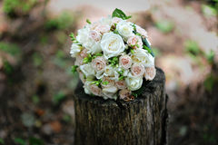 Bridal bouquet with wedding rings Stock Images