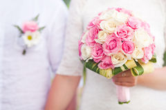 Bridal roses. Beautiful bouquet on wedding day Royalty Free Stock Photos