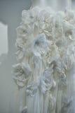 Bridal suknia podczas Viktor i Rolf Mariage Skaczemy, lata 2018 kolekci prezentacja/ Fotografia Royalty Free