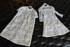 Bridal suknie podczas Viktor Mariage Rolf i Skaczą, lata 2018 kolekci prezentacja/ Fotografia Royalty Free