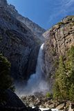 Bridalveil瀑布在尤塞米提谷 免版税库存图片