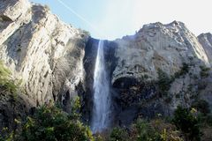 Bridalveil秋天,优胜美地国家公园,加利福尼亚,看见从停车场 图库摄影
