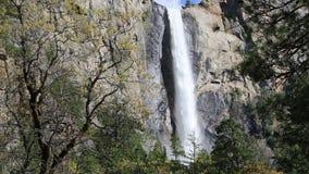 bridalveil εθνικό πάρκο ΗΠΑ πτώσης Καλιφόρνιας yosemite απόθεμα βίντεο