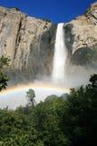 Bridalveil baja Yosemite Imagen de archivo libre de regalías