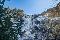 Bridalveilwaterval bij Yosemite-Park Stock Afbeeldingen