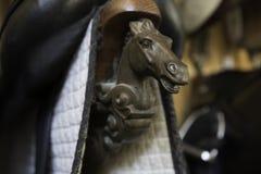 Briddles在西班牙马骑术学校 库存图片