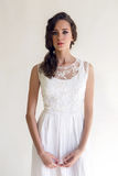Bride beautiful woman in wedding dress - style Royalty Free Stock Photography