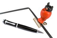 Bride de papier sous la forme d'un hibou et d'un crayon lecteur Images libres de droits