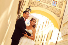 Bride and groom in the city Stock Photos