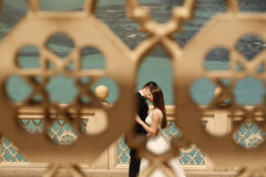 Bride and groom embracing in Dubai Royalty Free Stock Photo